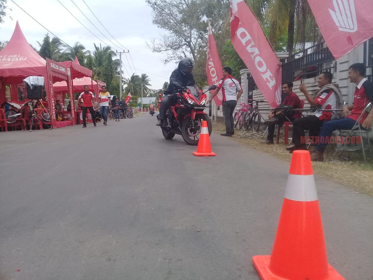 Honda Capella Sigli Gelar Road Show Di Gampong Bambi