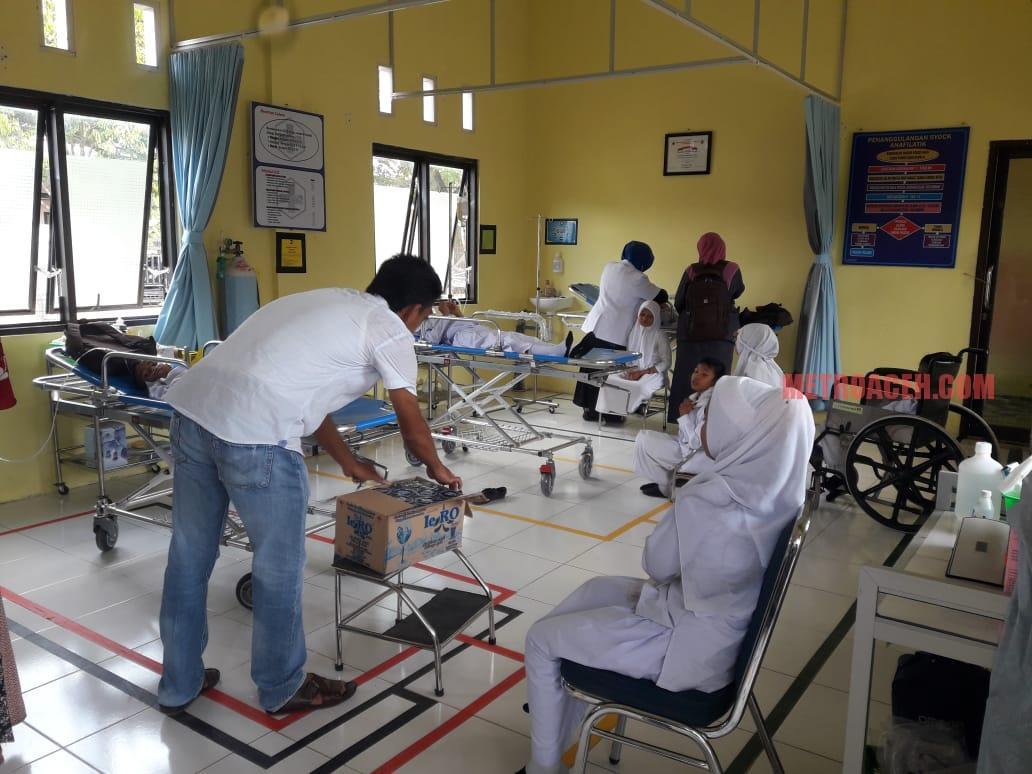 Puluhan Pelajar MIS Tanjung Beuridi Keracunan Imunisasi