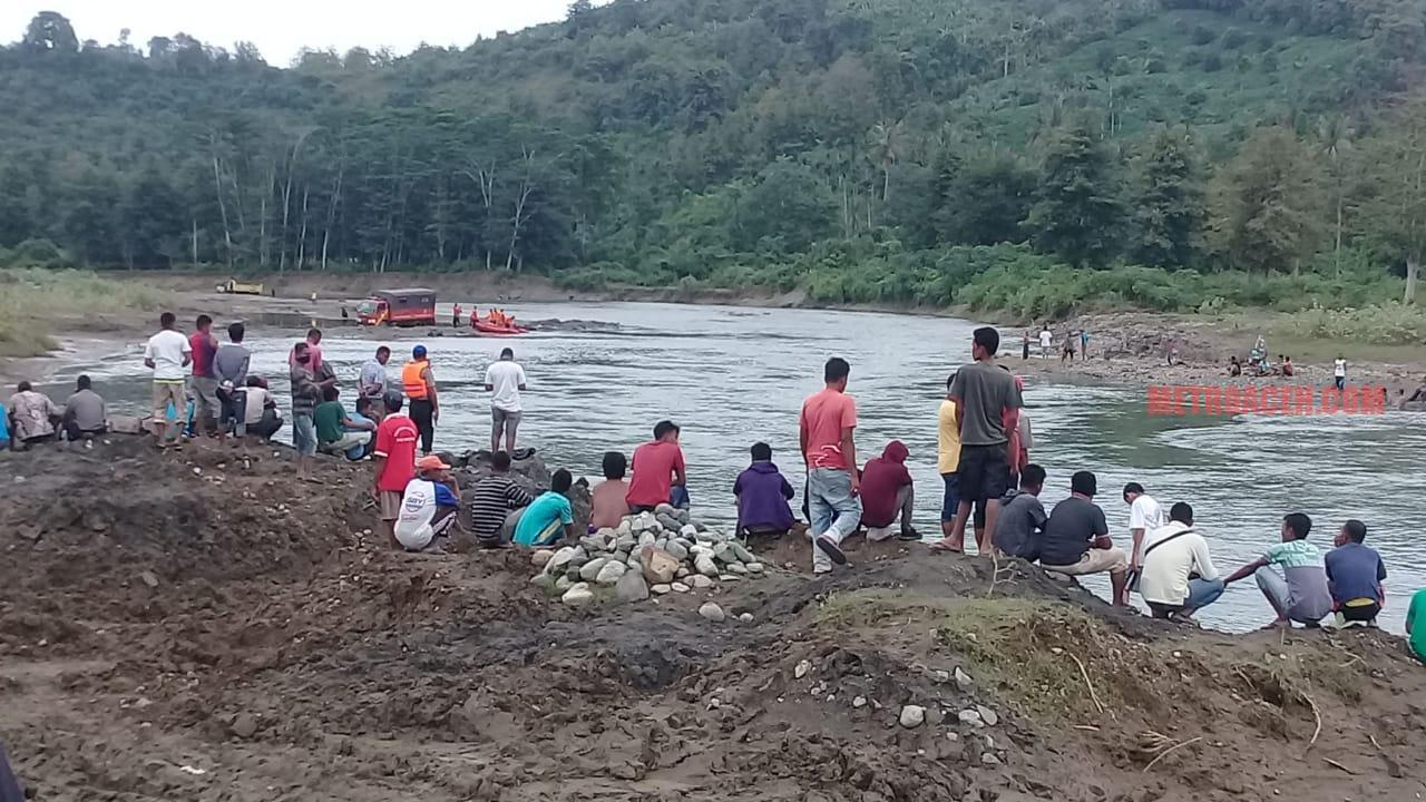 Buruh Proyek Aneuk Gajah Rheot Tenggelam