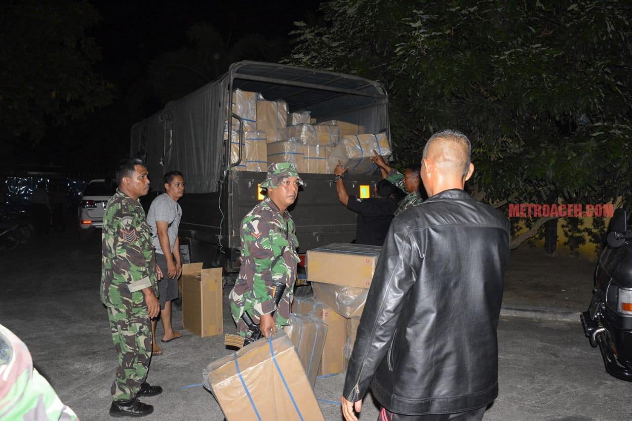 TNI Gagalkan Penyeludupan Rokok Ilegal