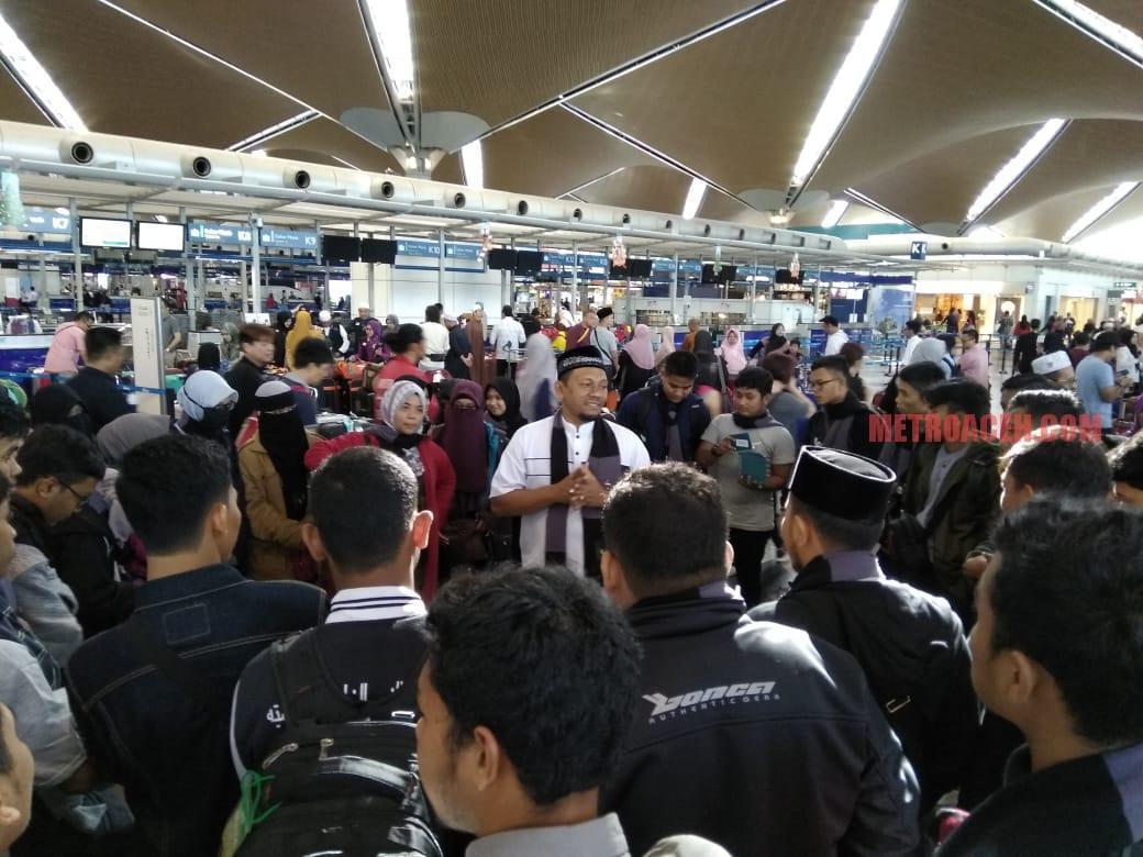 Ketua IKAT Aceh Silaturahmi Bersama Camaba Al Azhar Kairo di Kuala Lumpur